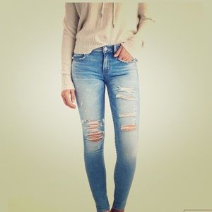 American eagle long ripped jegging